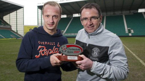 180170-leigh-griffiths-left-collects-the-clydesdale-bank-premier-league-player-of-the-month-award-for-feb
