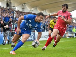 Rob Kearney dots down the firs of his two tries last Saturday
