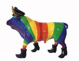 Benjy the 'gay' bull faces the burger. (image: flamencoexport.com)